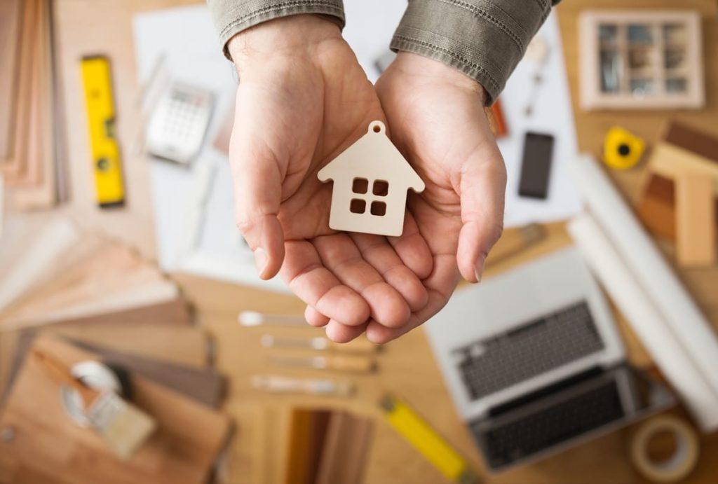 Добился признания доверителя членом семьи нанимателя квартиры и заключения с ним договора социального найма